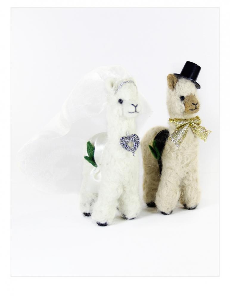 Bride & Groom Set: Wedding Alpacas
